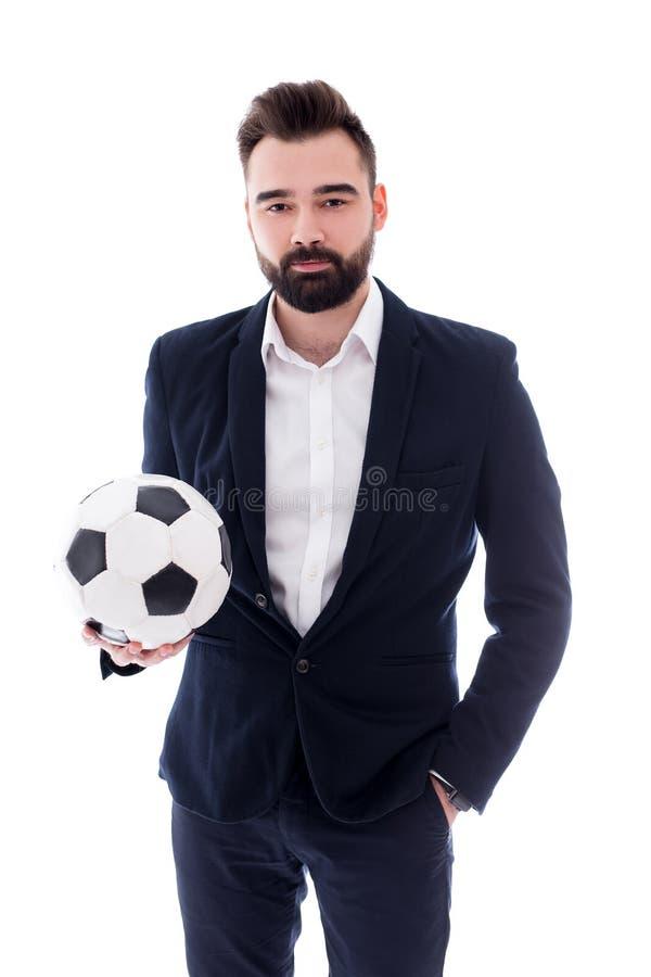 Giovane uomo d'affari barbuto bello con pallone da calcio isolato su bianco fotografie stock