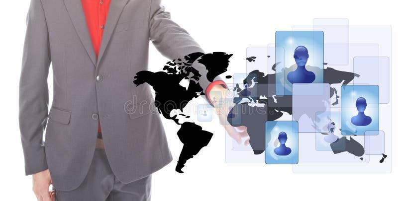 Giovane uomo d'affari con le persone di media del sociale e del worldmap immagini stock libere da diritti