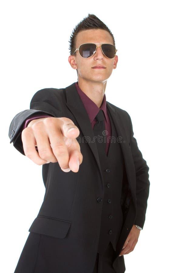 Giovane uomo d'affari d'avanguardia con gli occhiali da sole immagini stock