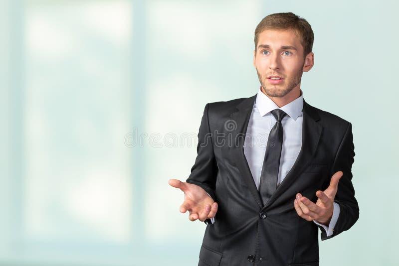Giovane uomo d'affari nervoso immagini stock libere da diritti