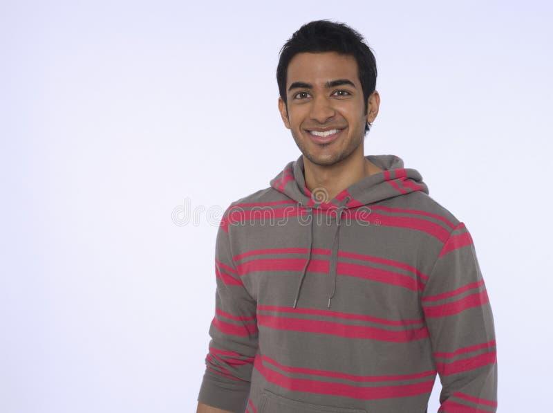 Giovane uomo indiano sorridente fotografie stock
