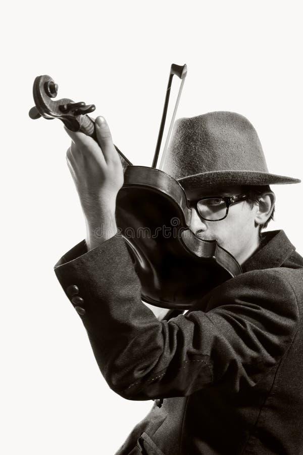 Giovane violinista che gioca al violino fotografia stock