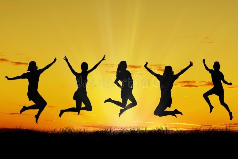 Giovani amici felici fotografia stock