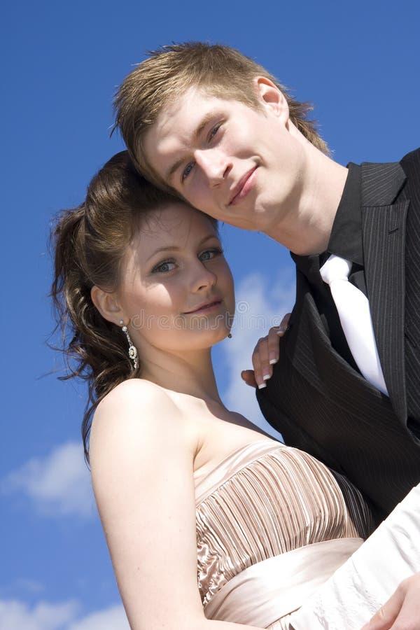 Giovani belle coppie felici fotografia stock
