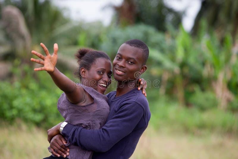 Giovani coppie africane, felici immagini stock libere da diritti