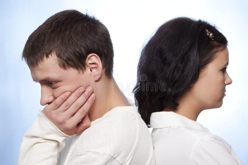 Giovani coppie che litigano fotografie stock libere da diritti