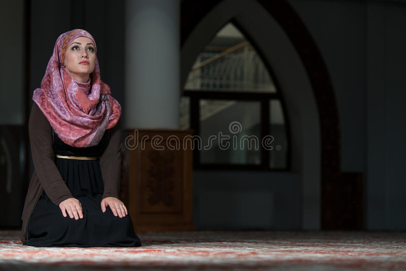 regan muslim single women The divine gift by omar regan, muslim belal & joshua evans subscribe to our channel:  follow us on twitter : https://tw.