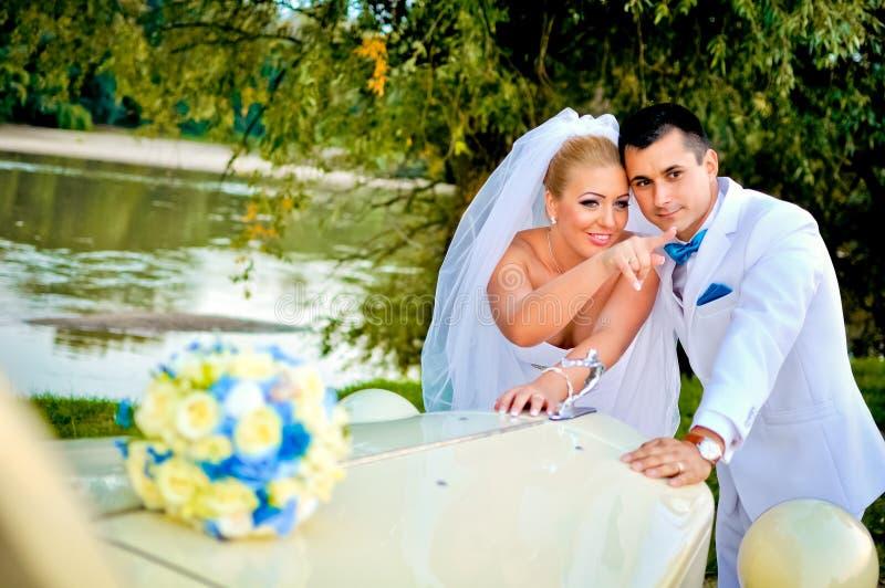 Giovani marito e moglie fotografie stock libere da diritti