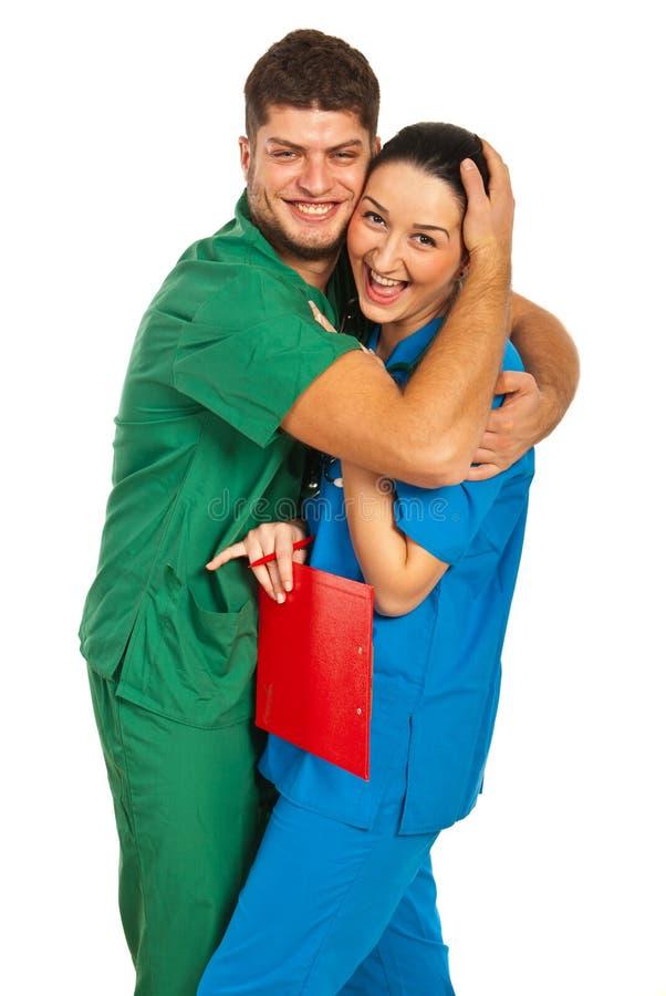 Giovani medici nell'amore fotografia stock
