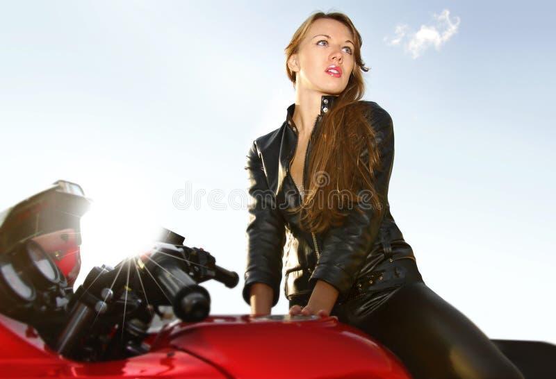 giovani rossi del grande motociclo biondo immagine stock