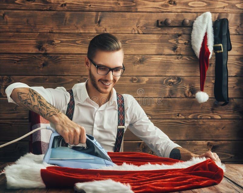 Giovani Santa Claus dei pantaloni a vita bassa immagine stock