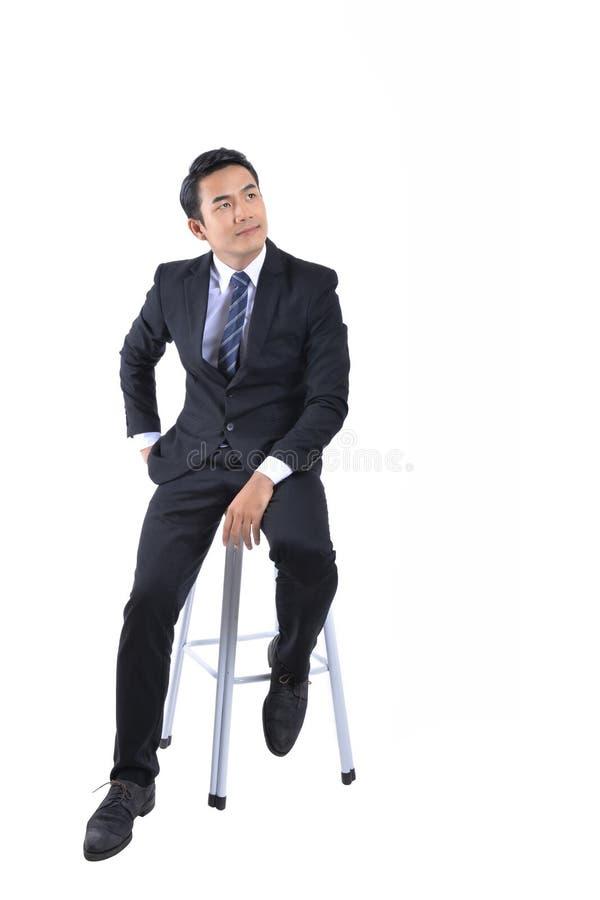 Giovani uomini d'affari che sembrano astuti e sicuri immagini stock libere da diritti
