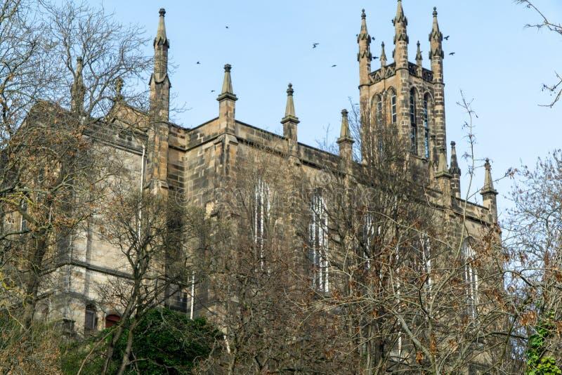 Gipfel-gotische Kirche stockfoto