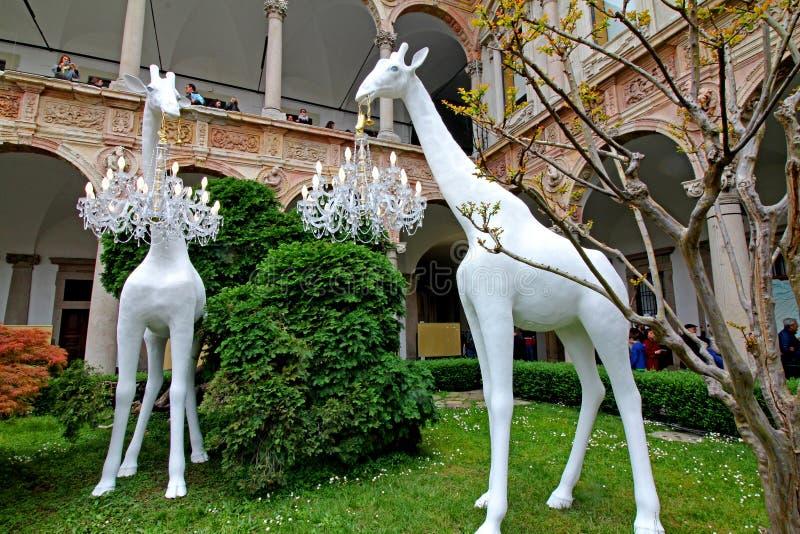 """""""Giraffe в любов """"; установка Marcantonio для Qeeboo стоковая фотография rf"""