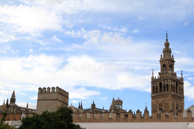 Giralda de Patio de Banderas, Sevilla, España fotografía de archivo libre de regalías