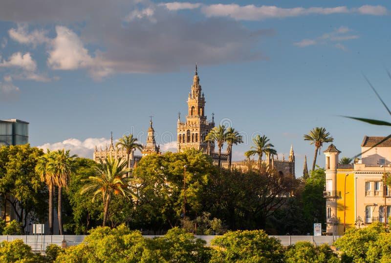 Giralda-Helm-Glockenturm von Sevilla-Kathedrale stockfoto