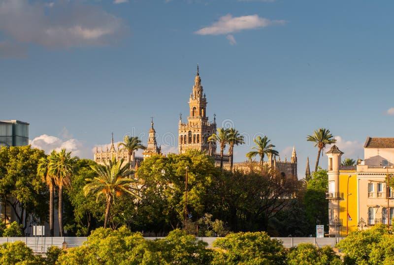Giralda-Helm-Glockenturm von Sevilla-Kathedrale stockbilder