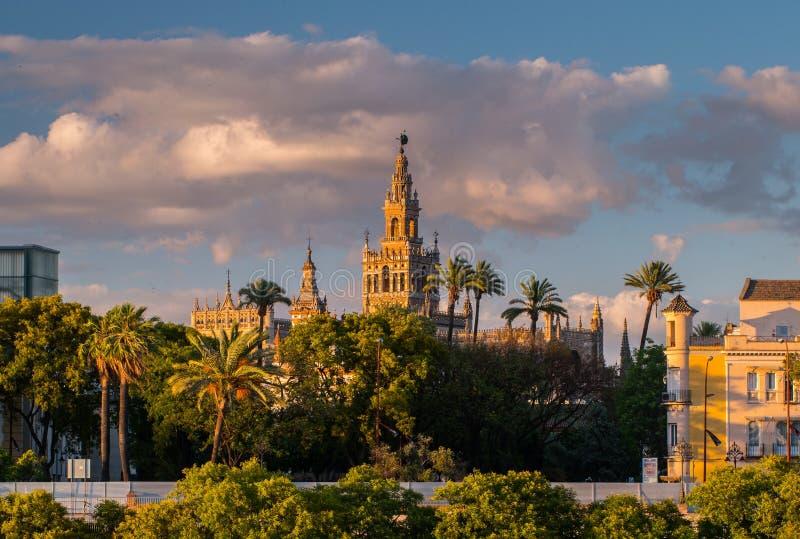 Giralda-Helm-Glockenturm von Sevilla-Kathedrale stockfotografie