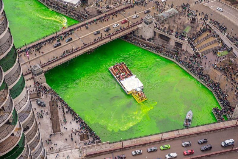 Girando o verde do rio em pancadinhas do St fotografia de stock