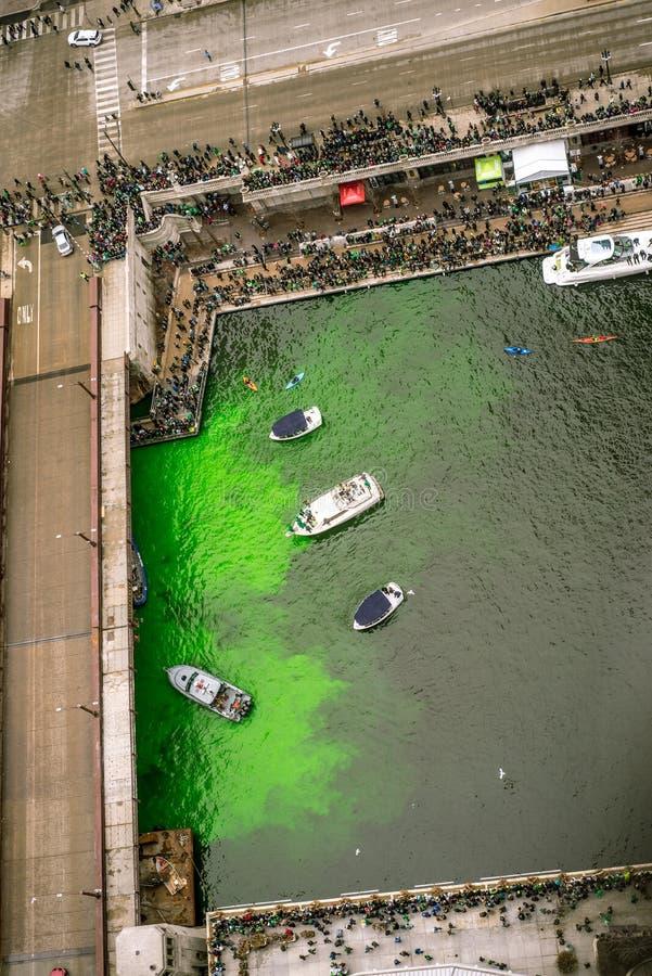 Girando o verde do rio em pancadinhas do St imagens de stock royalty free