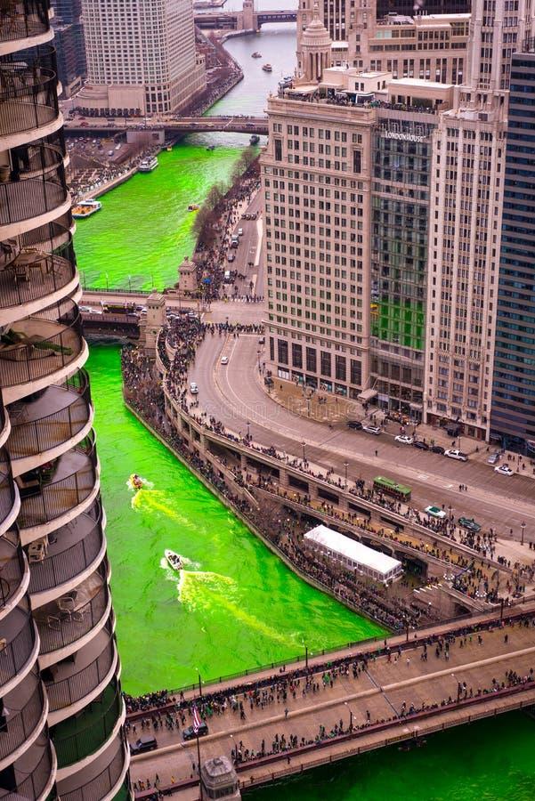 Girando o verde do rio em pancadinhas do St foto de stock royalty free