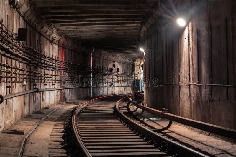Gire no túnel do metro fotografia de stock