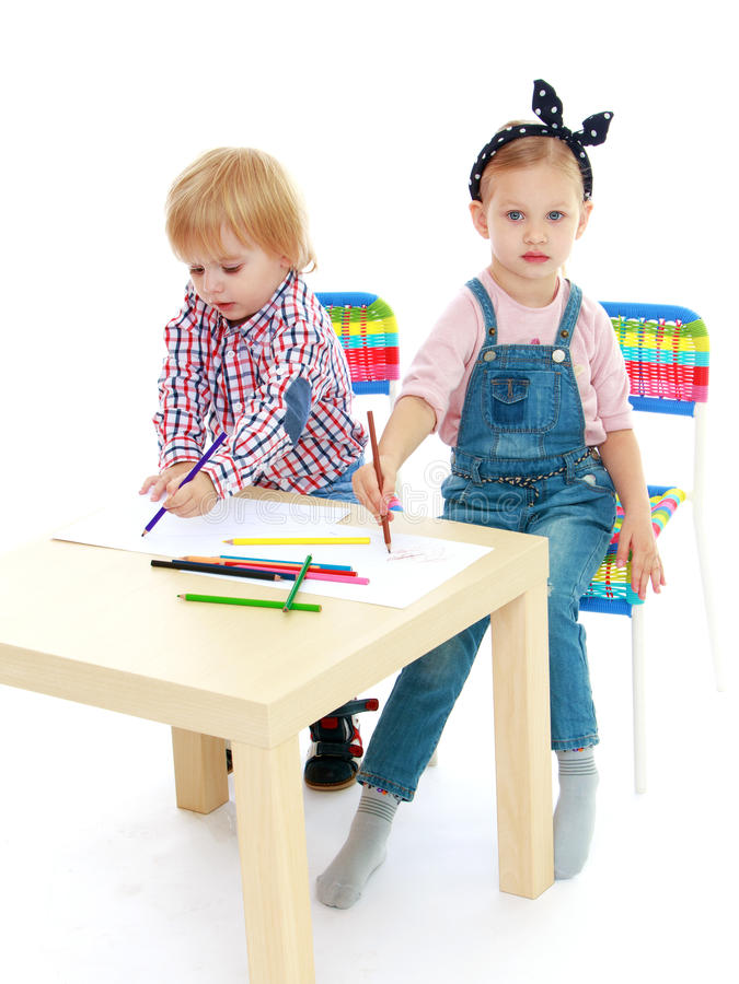 how to draw a boy sitting