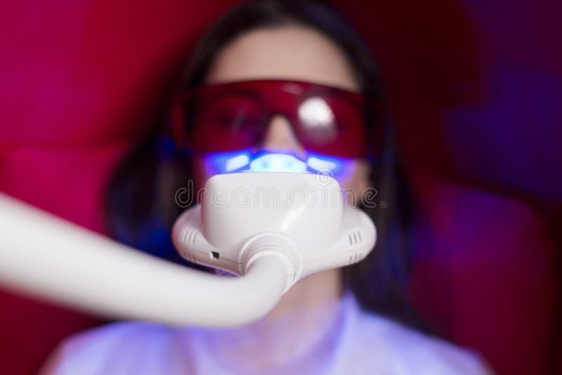 Junecat 2ST Dental Zahnschutz Thermoforming Pflege Mundhygiene Bleaching Tooth Whitener Mundschutz Teeth Whitening Trays
