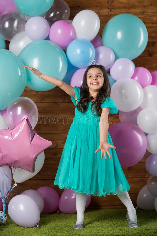 Free Girl Child With Balloons Stock Images - 138435794