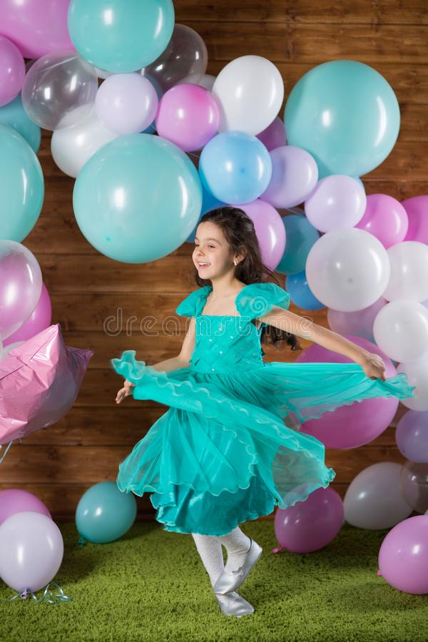Free Girl Child With Balloons Stock Images - 138439324