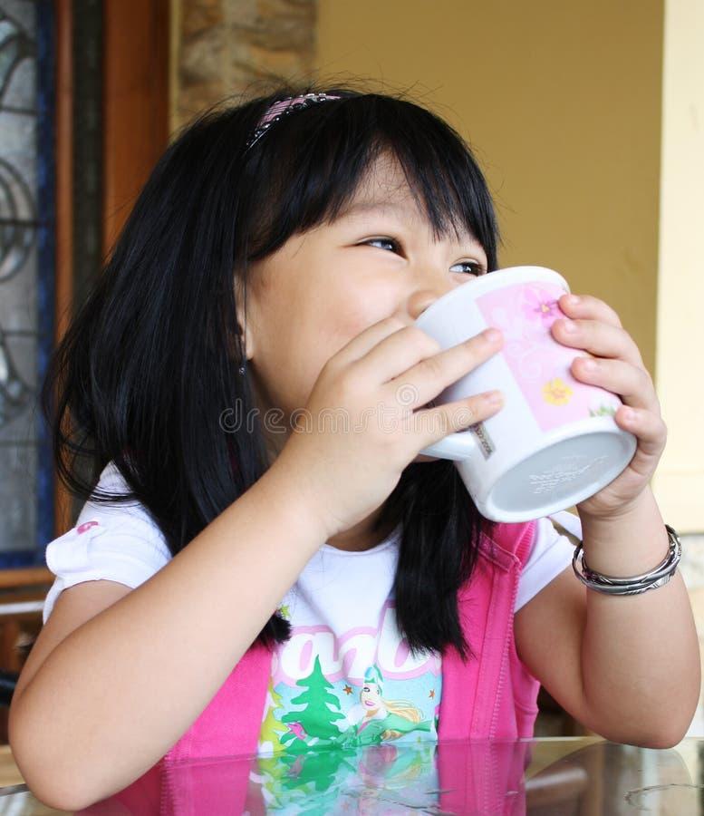 Girl_Drinking fotos de archivo libres de regalías