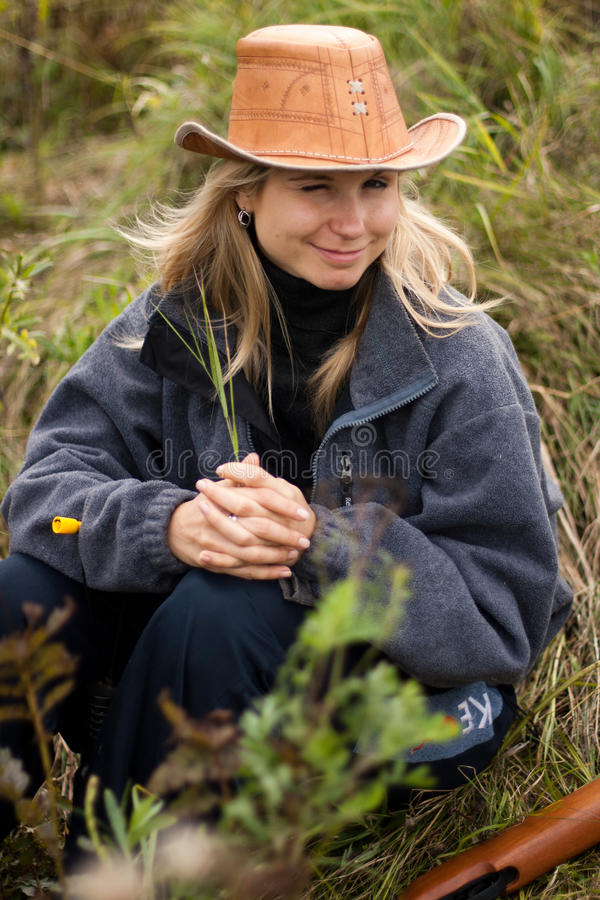 Free Girl In Brown Hat In Field Royalty Free Stock Photos - 16632018