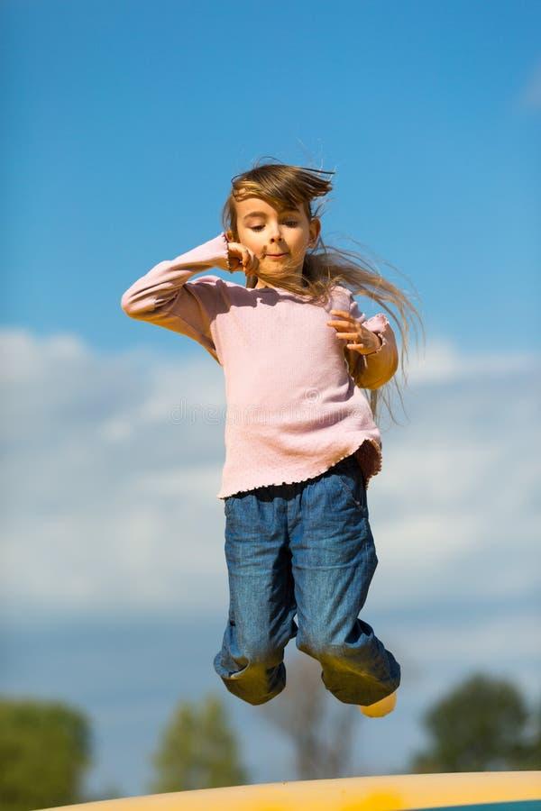Download Girl jump стоковое изображение. изображение насчитывающей кавказско - 40582865