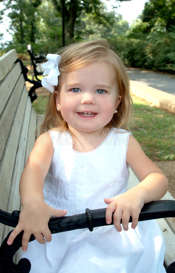 Download Girl On Park Bench Royalty Free Stock Photos - Image: 6942978