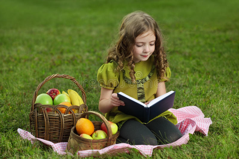 Girl  Read Book Royalty Free Stock Photo