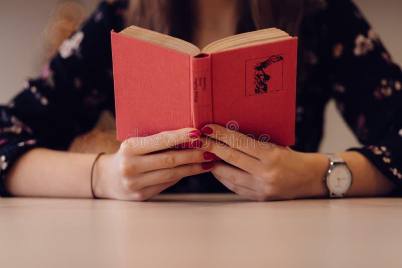 Girl Reading Book Free Public Domain Cc0 Image