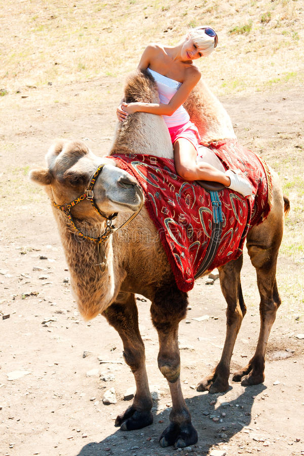 Fuckeb camello Chica por