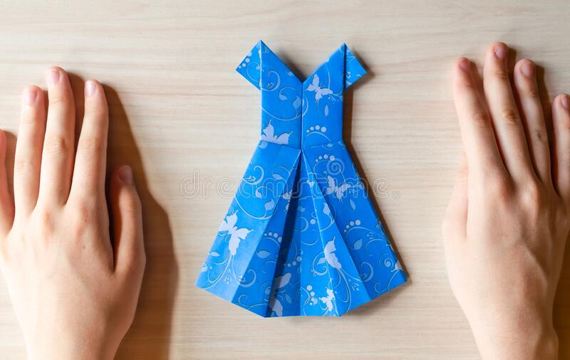 Complete Origami Dress Instructions | 506x800