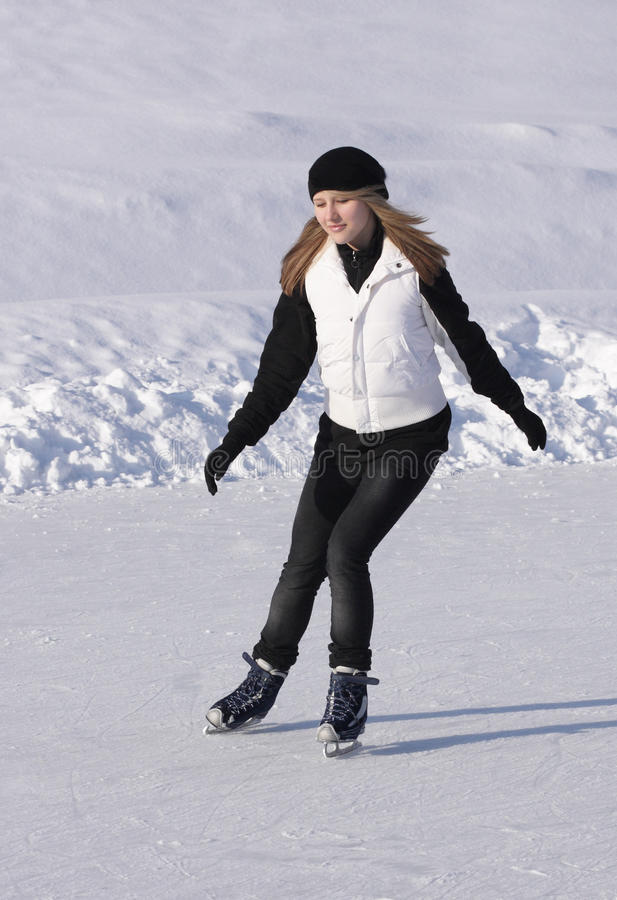 Download Girl Skating Royalty Free Stock Images - Image: 13271109