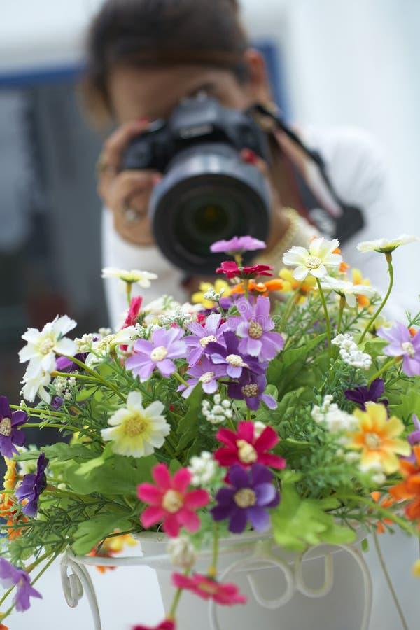 Free Girl Take Flower Photo Stock Images - 39815634
