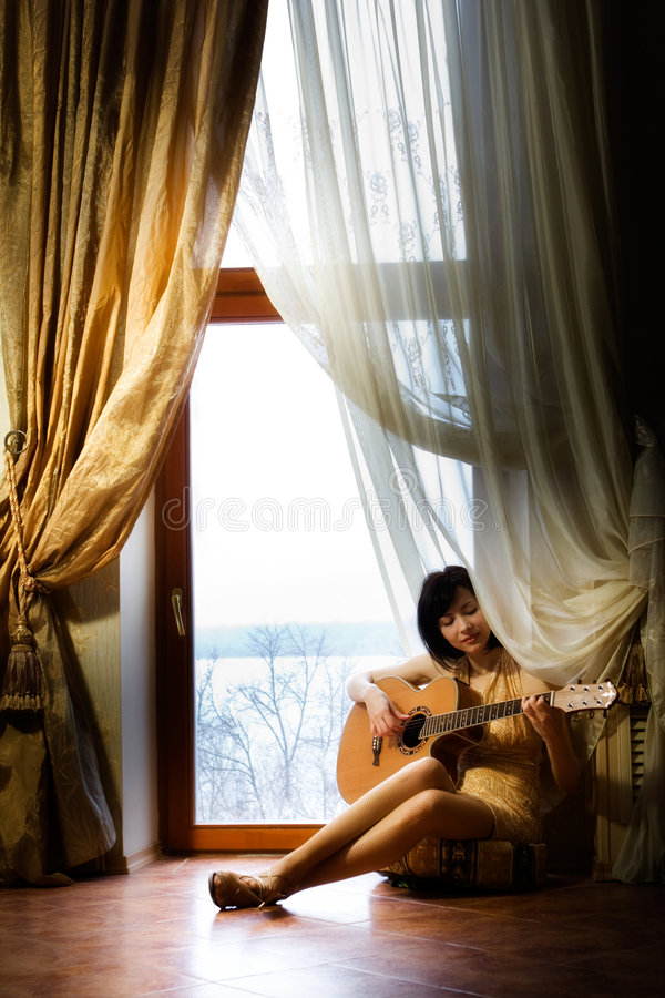 Free Girl With Guitar Stock Image - 9288191