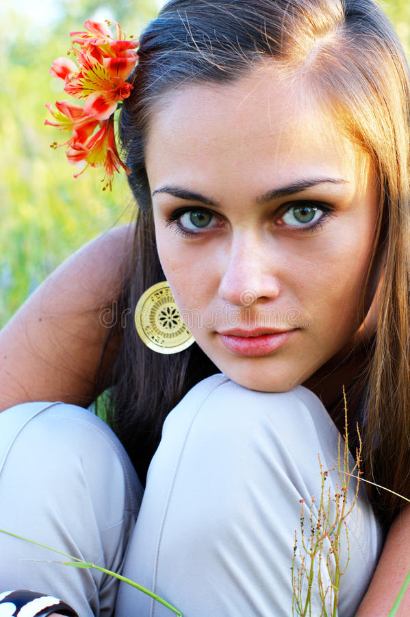 Free Girl With Lily In Her Hair Stock Photography - 15624682
