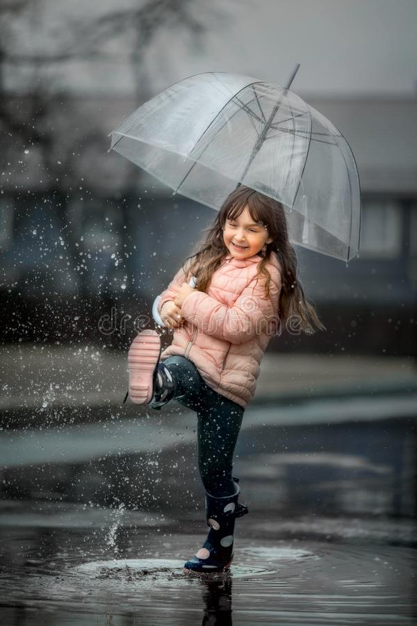 Free Girl With Pink Umbrella Stock Image - 127189111