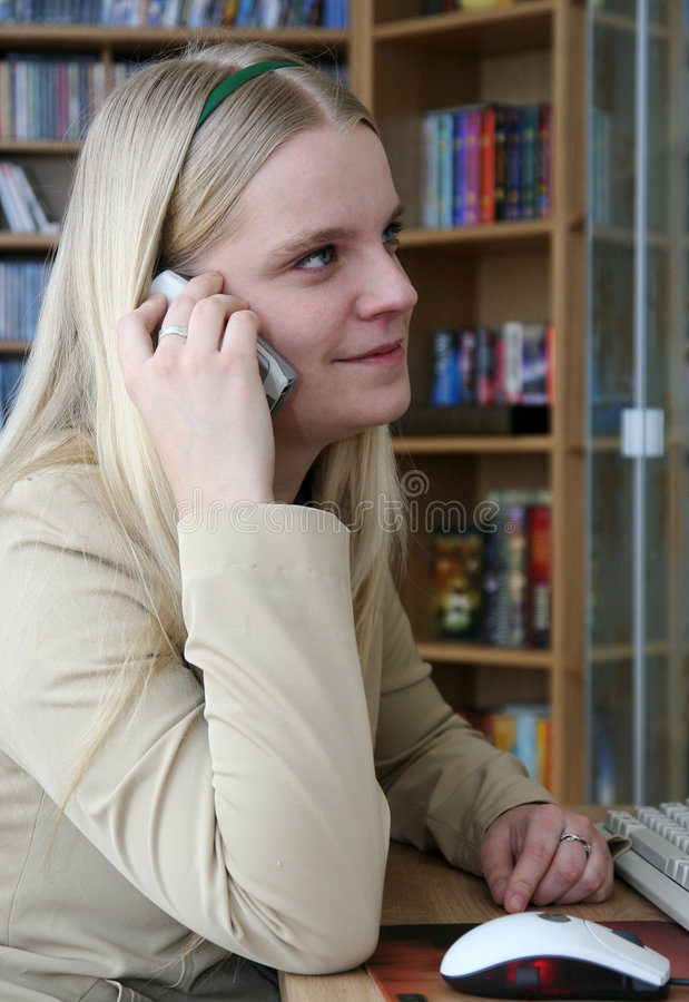 Free Girl With The Phone Royalty Free Stock Images - 4637149