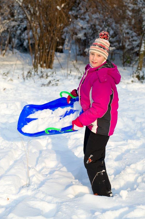 Girlie dans la neige images stock