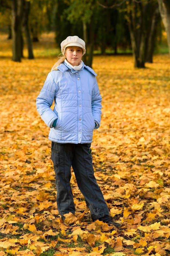 Girlie et automne image libre de droits