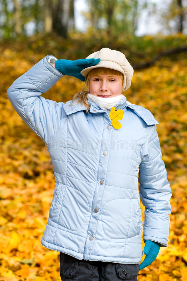 Girlie et automne image stock