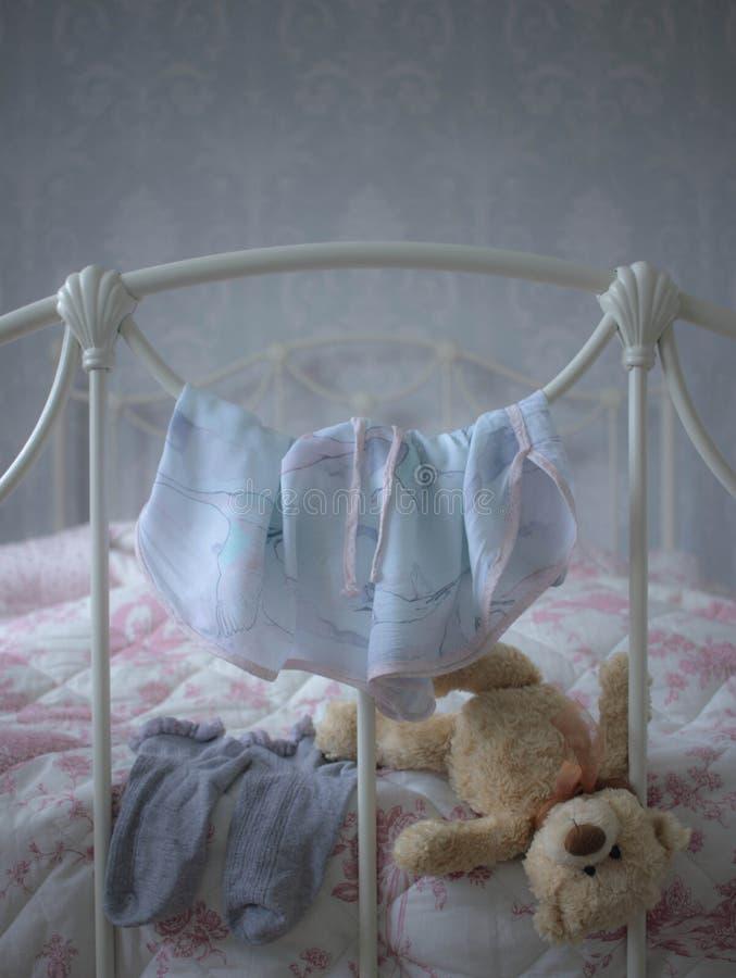 Girly спальня стоковое изображение