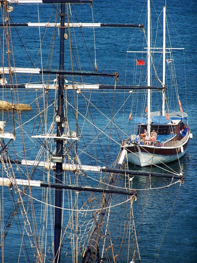 Girne (Kyrenia) Jachthafen-Eingang lizenzfreies stockfoto