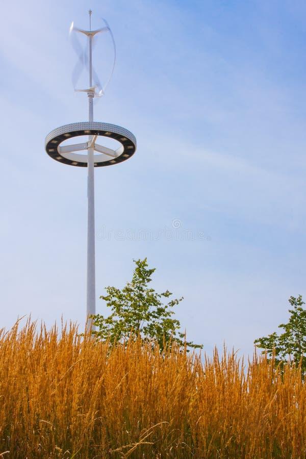 Giro da turbina de vento imagem de stock